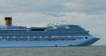 现场:3400余名中国游客在济州岛拒下邮轮