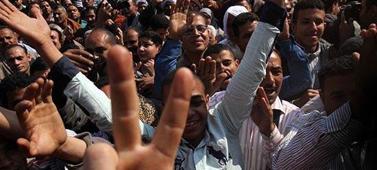 203名埃及青年今日因总统特赦令告别监狱