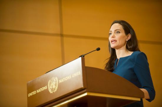 安吉丽娜朱莉联合国演讲 谴责狭隘民族主义崛起