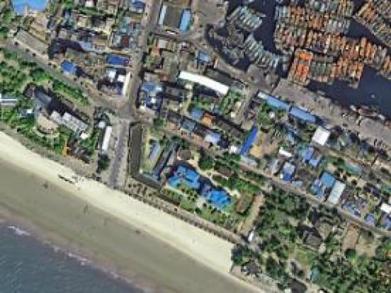 圖為廣西壯族自治區北海的岸邊,沙灘上可以看見不少遊人。