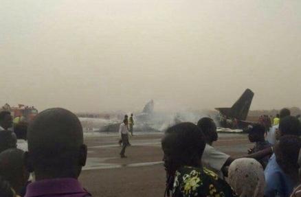 南苏丹客机着陆时坠毁 脱险中国乘客讲述经历