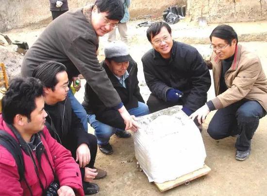 许昌人第一块头骨化石出土现场
