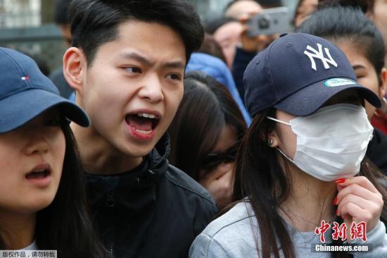 """蔡英文呼吁""""台军""""穿军服逛街:赢回尊严第一步"""