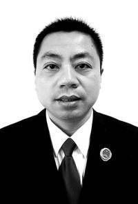 江苏省扬州市人民检察院公诉处副处长 顾学荣