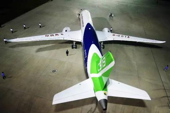 △中国自主研发大飞机c919(图片来自@中国商飞 )