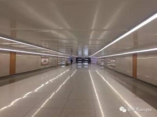 西单地下通道重新装修。新京报记者张维 摄