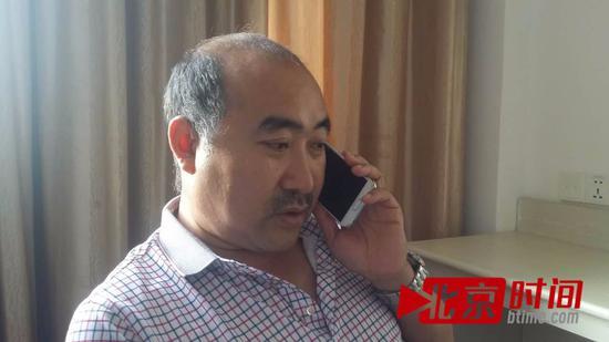 王金伍代理行政复议、诉讼、投诉和网络曝光5000余起。图/李英强