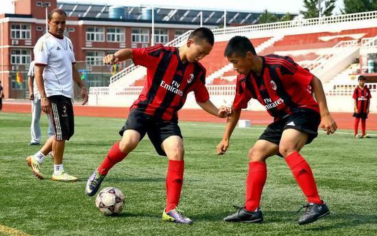 资料图片:AC米兰中国青训营来到北京