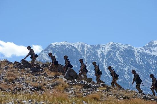 材料图片:西藏一边非诂巡查。新华社发