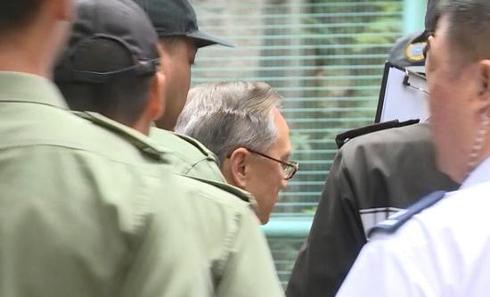 香港特区前特首曾荫权获准保释外出等候上诉