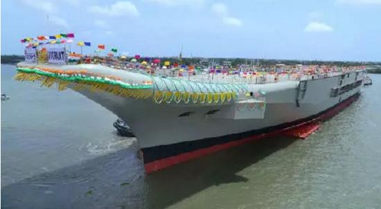 """▲印度首艘国产航母""""维克兰特""""号"""