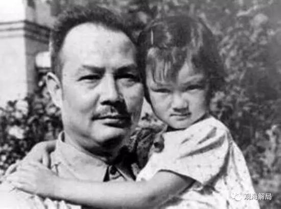 幼年时期的叶向真与父亲