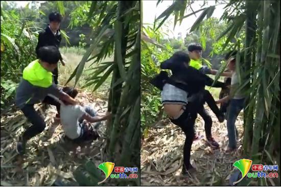 网传视频截图,两名中学男生正在殴打一名小学男生
