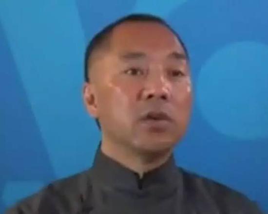 在2014年胡润百富榜上,郭文贵家族排74位,财富总值为155亿元.