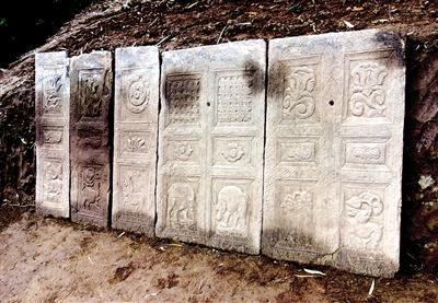 重庆发现叠加墓葬群35座
