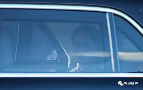 5月13日下午,昂山素季乘专车离开。中国青年报·中青在线记者 李建泉/摄