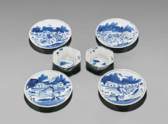 青花山水纹带托茶杯 (清·景德镇)