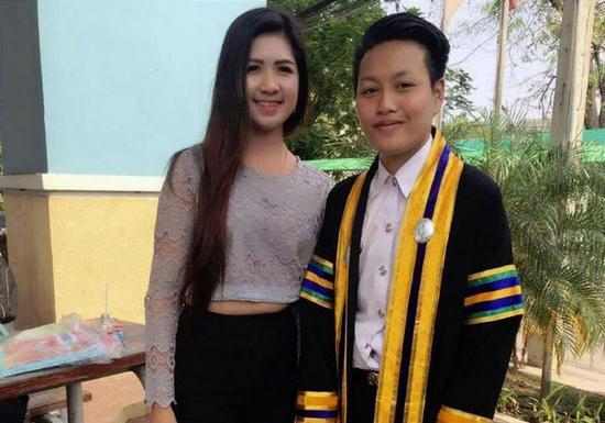 """瓦里莎拉婚后不久便和丈夫分居,跟女同性恋情人同居。(图片来源:台湾""""东森新闻云"""")"""