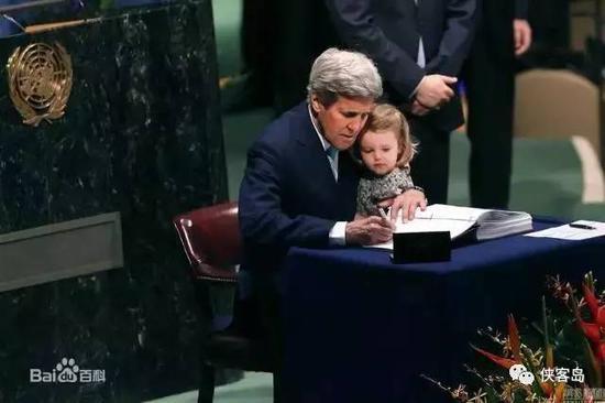 克裏簽署《巴黎協定》
