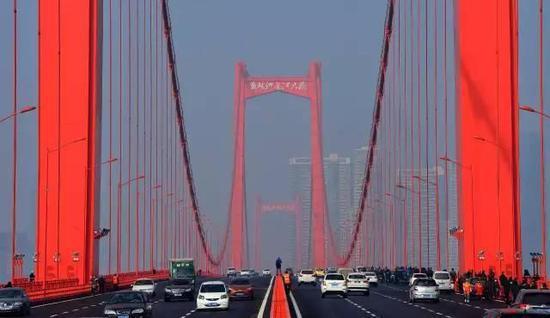 △鹦鹉洲长江大桥