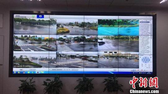 南京城管部门利用实时路况系统及时发现各路段积水情况。 城管供图 摄