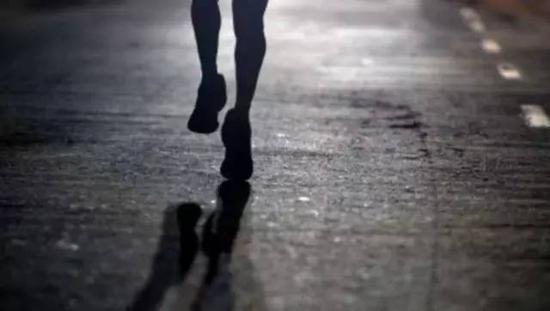 马拉松替跑者猝死案:主办方是否侵权 责任谁担
