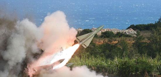 爆炸的鹰式飞弹(图源台媒)