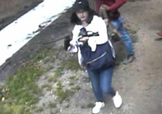 △伊利諾伊大學警方宣布的章瑩穎最后一次泛起的影像資料。