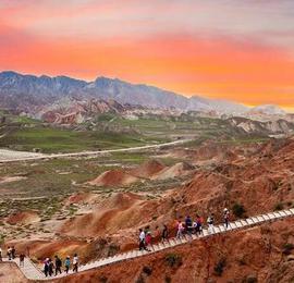 张掖独特的彩色丘陵