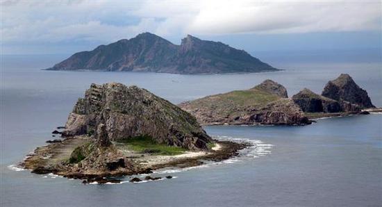 中国调查船钓岛海域拖曳电缆航行 日方现场阻挠