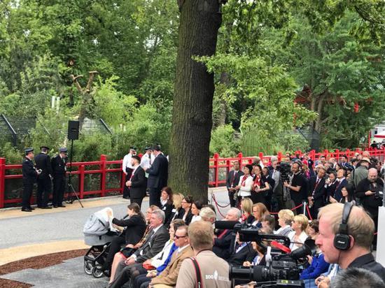 开馆典礼吸引了各界人士尤其是媒体记者的热闹存眷