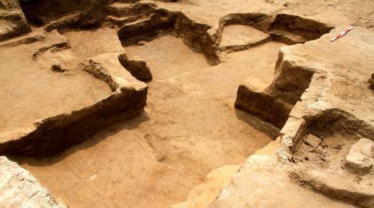 挖掘的房址。陕西省考古研讨院供图