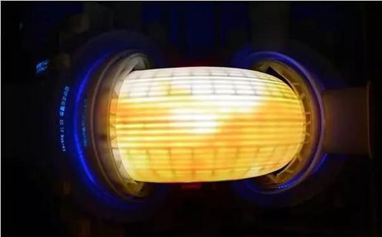 ▲EAST成功实现电子温度超过5000万度、持续时间达102秒的超高温长脉冲等离子体放电。