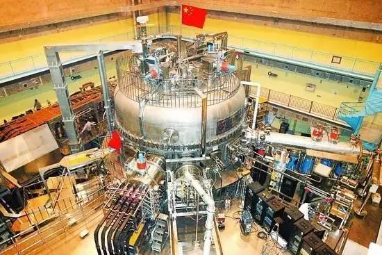 """▲中国""""实验型先进超导托卡马克""""反应堆"""
