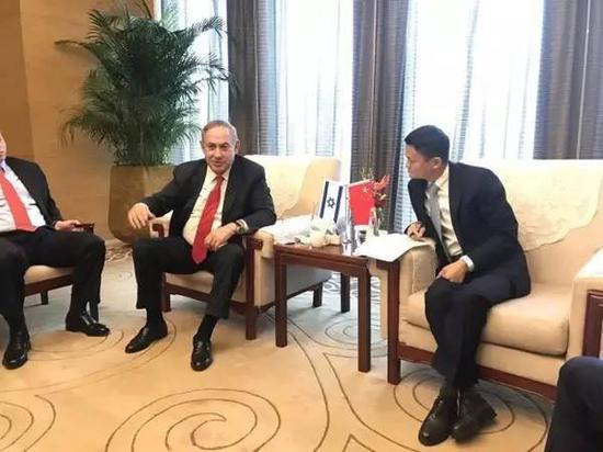 ▲资料图片:2017年3月20日,马云在北京同访华的以色列总理内塔尼亚胡会谈。