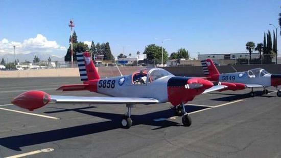 机主喷漆改造了飞机外观。(图片来源:台湾新闻联合网)