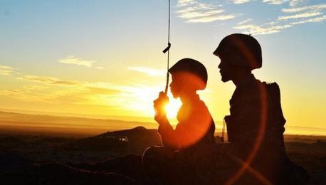 战斗剪影 鏖战戈壁的青春记忆