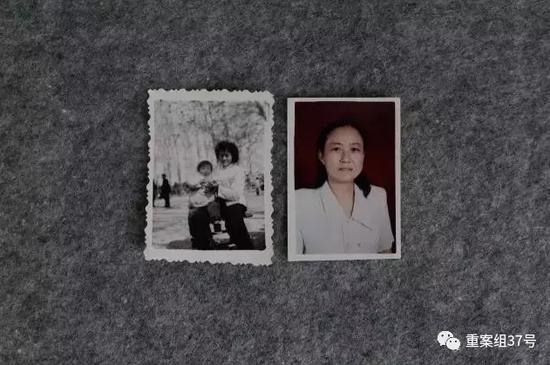 ▲赵菁 小时间和母亲的合照(左)和母亲50岁退休时的照片(右)。新京报记者 朱骏 摄