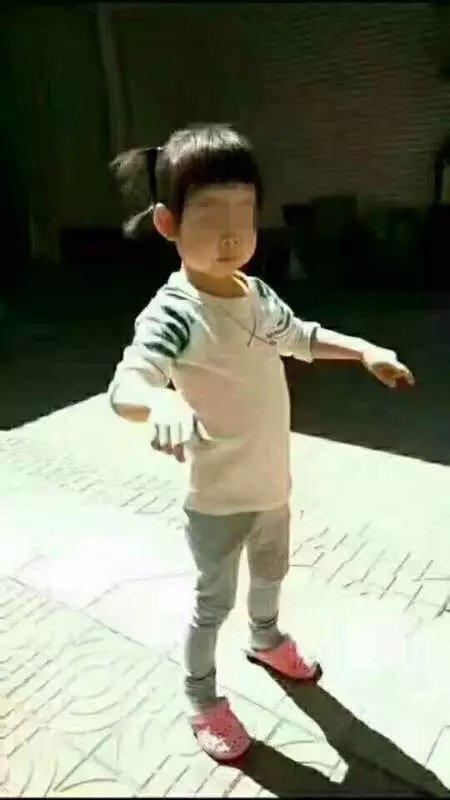 在跳舞的郭子萱。受访者供图