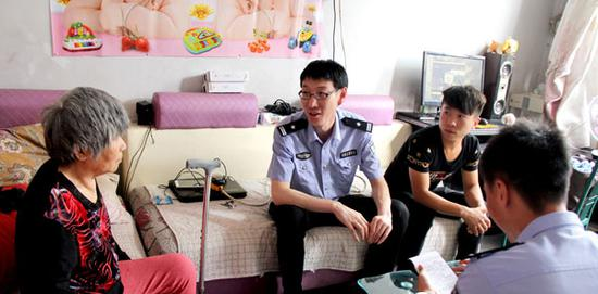 山西省侯马市公安局刑事侦查大队民警杜江涛。