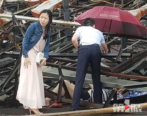重庆主城狂风暴雨夹冰雹 吹倒脚手架行人被困