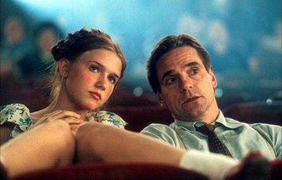 情色h电影网_《洛丽塔》成为情色电影史上经典之作.
