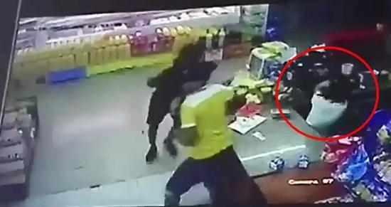 18岁中国女孩在巴拿马遭枪杀