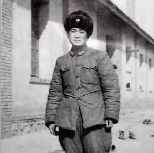 1962年10月,叶嘹亮身穿队伍换发的冬装