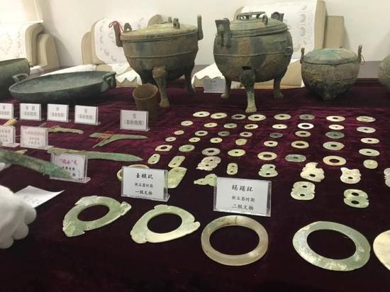 部分被盗掘的文物。
