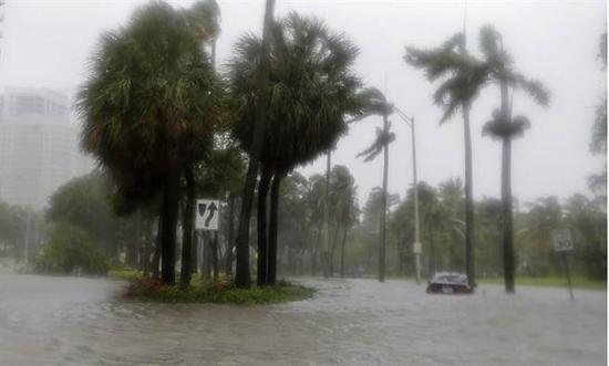 """(飓风""""艾尔玛""""(Irma)袭击美国佛罗里达州。美联社)"""