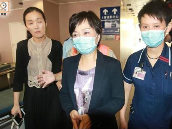 香港教育局副局长遭标语攻击 千余教师要求彻查