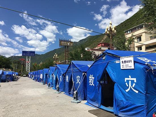 在漳扎镇漳扎村二组的临时安置点,受灾群众已使用上免费WI-FI。
