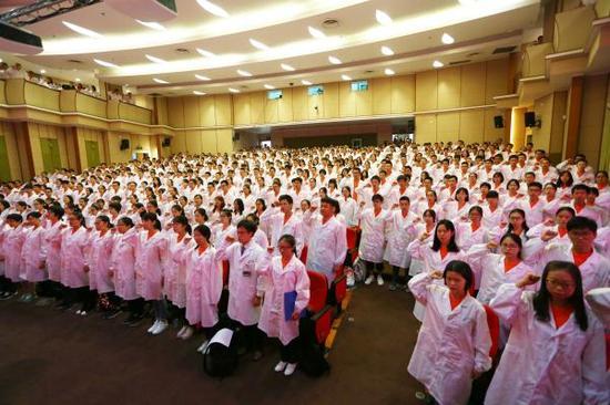 9月11日,上海交通大学医学院举行新生入学仪式。校方供图