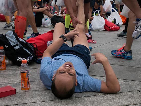 医生跑者可以在比赛过程中进行紧急救治。